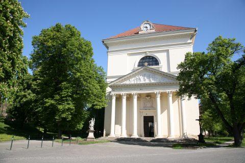 Chrám Vzkříšení Páně je dominantou Palackého náměstí