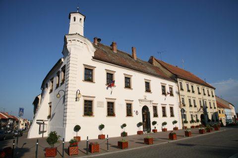 Radnice patří mezi nejstarší domy ve městě