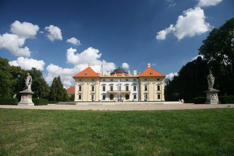 Zámek Slavkov