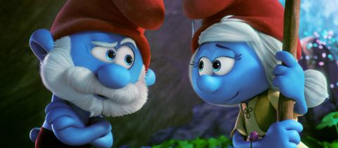 Papa Smurf (Mandy Patinkin) and Smurfwillow (Julia Roberts) in Columbia Pictures and Sony Pictures Animation's SMURFS: THE LOST VILLAGE.